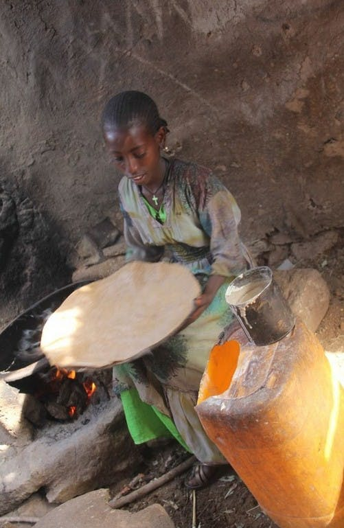 Cooking Injera, a Delicious Ethiopian Bread Featured Image