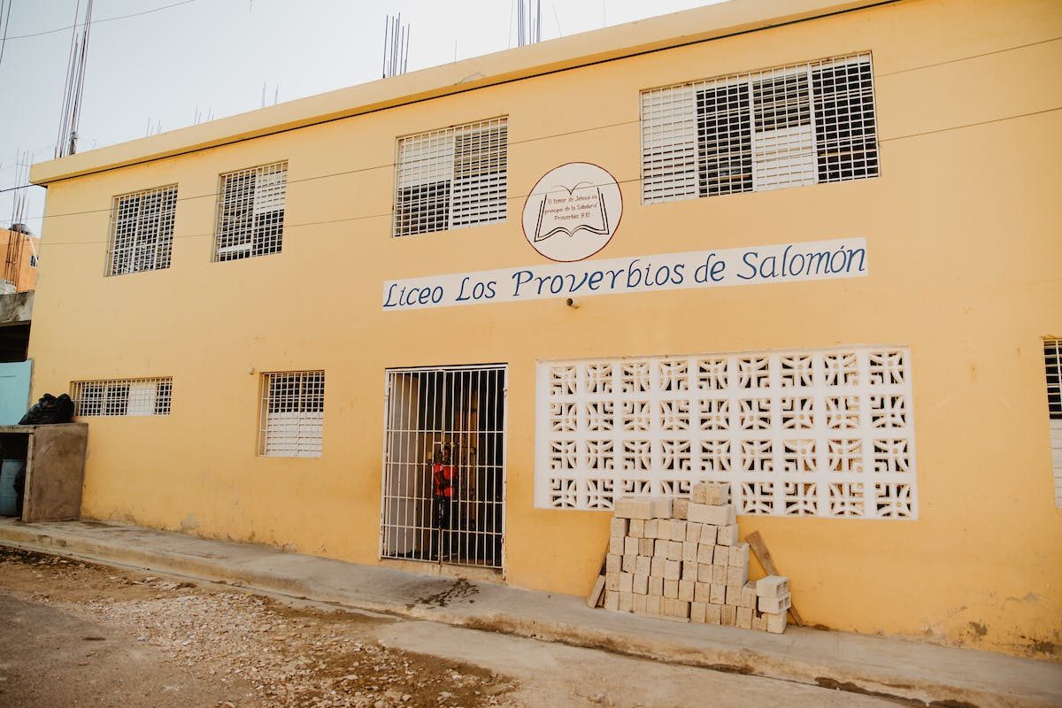 Yellow building school in the DR